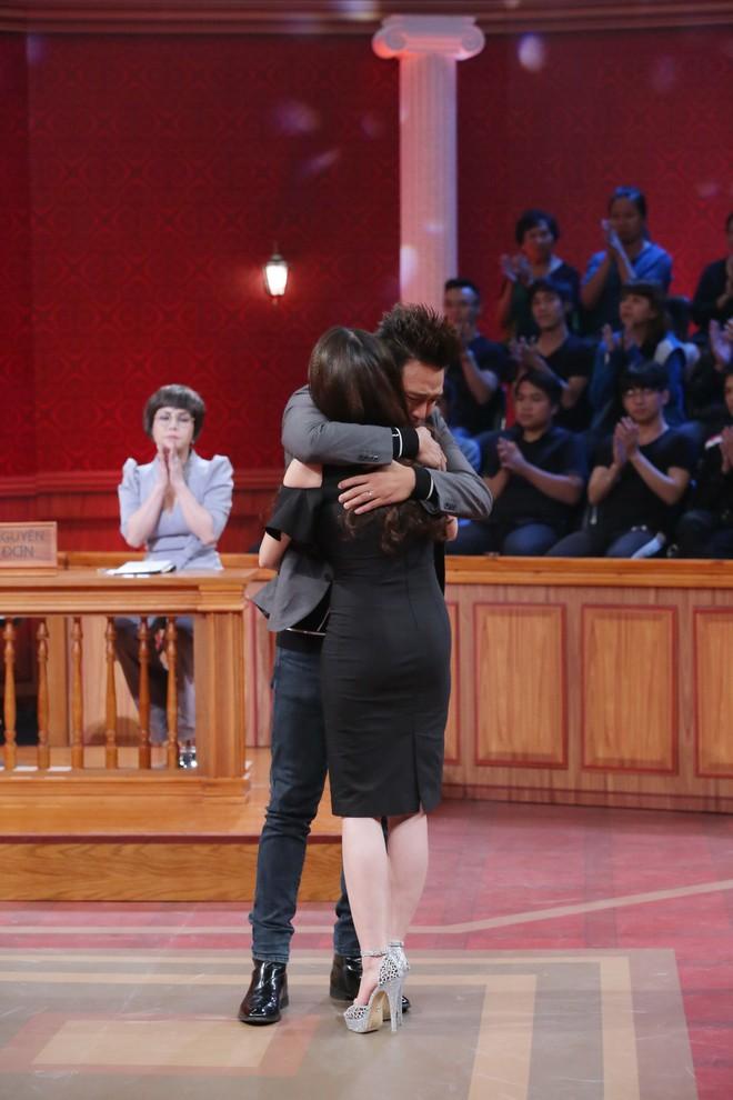 Trấn Thành, Việt Hương đồng loạt rơi nước mắt trong phiên tòa vợ chồng Kha Ly – Thanh Duy - Ảnh 7.