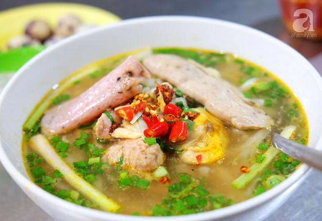 Đi một vòng Sài Gòn ghé 6 quán bánh canh siêu ngon mà giá bình dân, ăn một lần là thương nhớ - Ảnh 27.