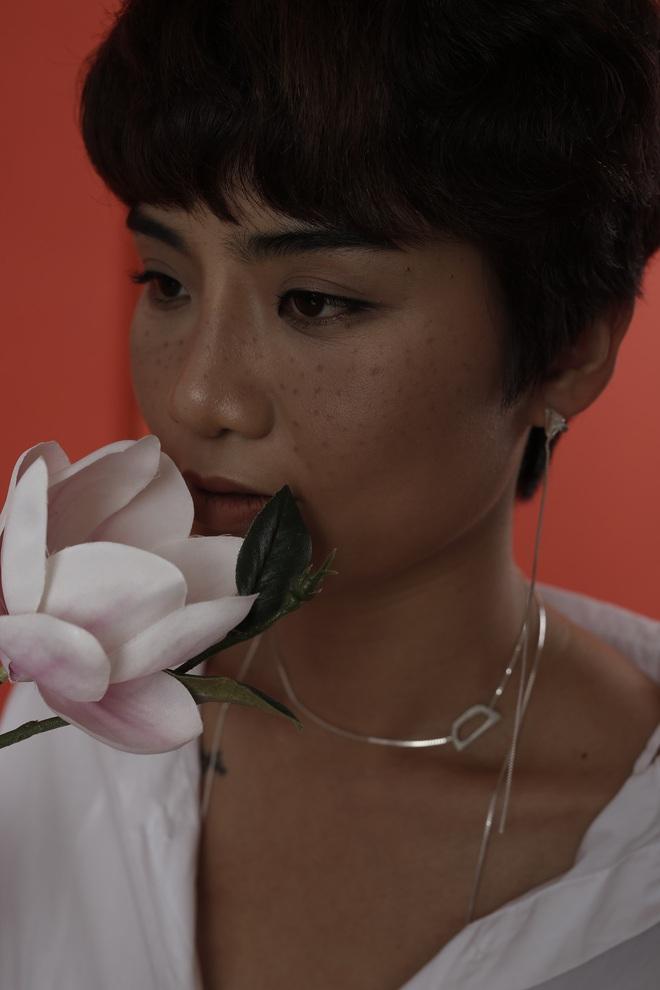 Ngỡ ngàng trước nhan sắc ngoài 30 xinh đẹp, gợi cảm của MC The Voice - Đặng Quỳnh Chi - Ảnh 8.