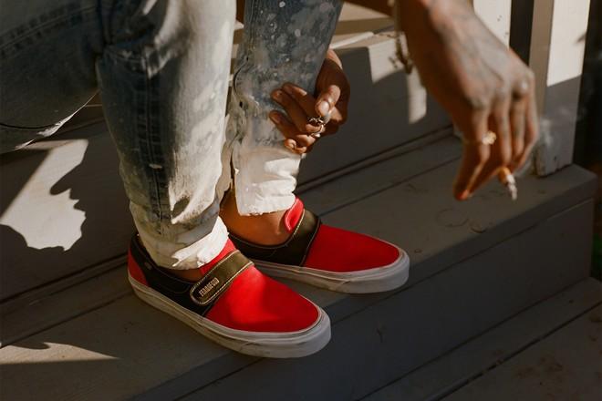 Vans x Fear of God: Vốn nổi tiếng là hãng bán sneakers bình dân, đôi Vans này lại có giá đến 16 triệu đồng - Ảnh 12.