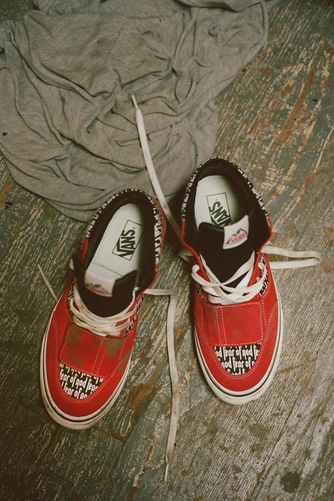 Vans x Fear of God: Vốn nổi tiếng là hãng bán sneakers bình dân, đôi Vans này lại có giá đến 16 triệu đồng - Ảnh 15.