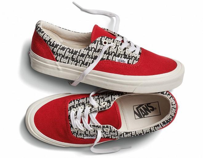 Vans x Fear of God: Vốn nổi tiếng là hãng bán sneakers bình dân, đôi Vans này lại có giá đến 16 triệu đồng - Ảnh 8.