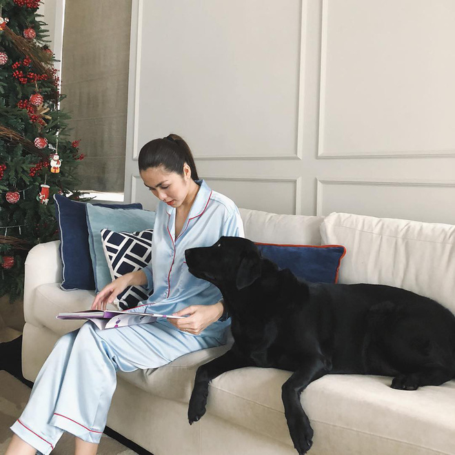 Không hổ danh là ngọc nữ, Tăng Thanh Hà mặc đồ ngủ ở nhà thôi cũng đẹp hết phần người khác - Ảnh 2.