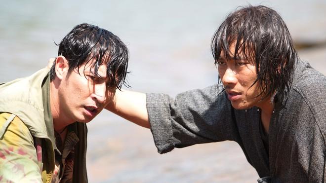 Huy Khánh bầm dập, ám ảnh vì cõng Kiều Minh Tuấn suốt 1 tháng - Ảnh 8.