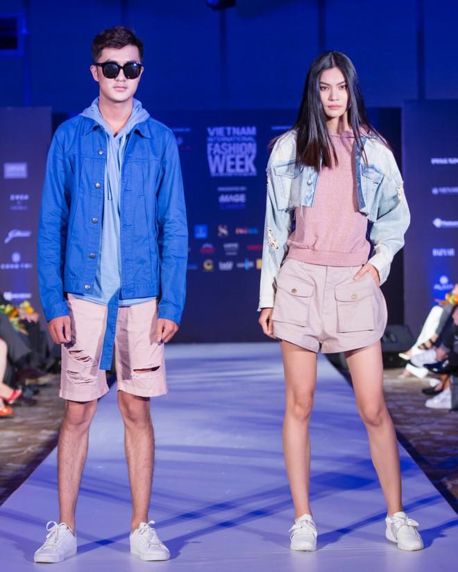 Hơn 1 tuần nữa mới khai mạc nhưng Vietnam International Fashion Week đã hé lộ dần các thiết kế mới - Ảnh 9.