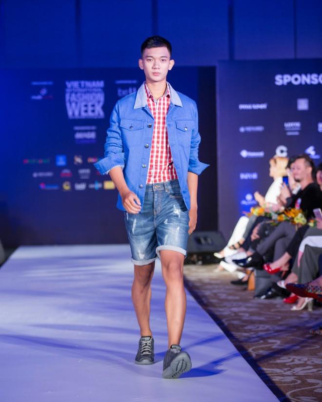 Hơn 1 tuần nữa mới khai mạc nhưng Vietnam International Fashion Week đã hé lộ dần các thiết kế mới - Ảnh 10.