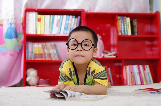 10 cách đơn giản kích thích trí thông minh của trẻ cha mẹ nào cũng nên biết - Ảnh 1.
