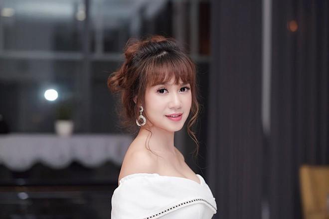 6 cô vợ vừa xinh vừa giỏi của sao Việt: Người là nữ thạc sĩ giàu tri thức, người là DJ nóng bỏng bao người mê - Ảnh 14.