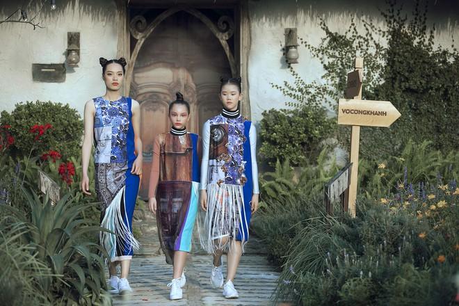 Gia định MC Phan Anh rực rỡ sắc hồng trong ngày thứ 2 của Tuần lễ thời trang thiếu nhi 2018 - Ảnh 24.