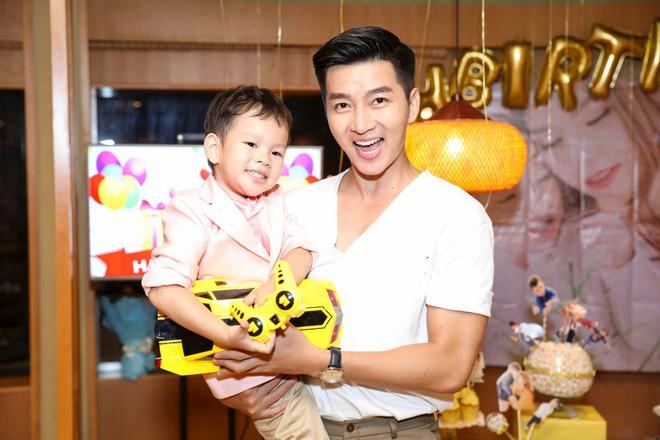 Thu Thủy xúc động hát tặng cho con trai cưng trong ngày sinh nhật lên 3 - Ảnh 14.