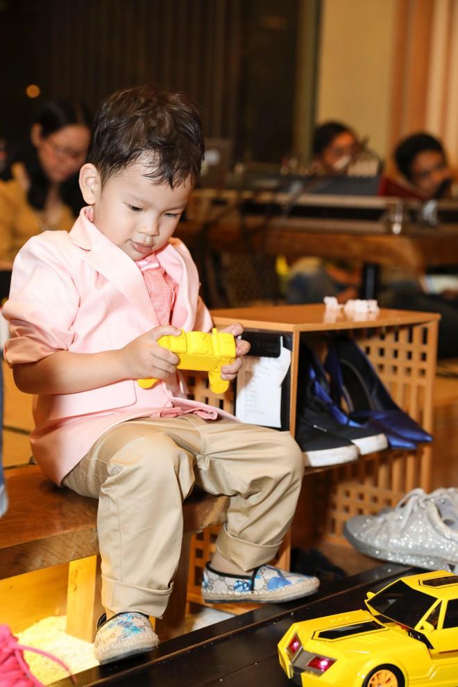 Thu Thủy xúc động hát tặng cho con trai cưng trong ngày sinh nhật lên 3 - Ảnh 18.
