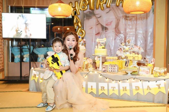 Thu Thủy xúc động hát tặng cho con trai cưng trong ngày sinh nhật lên 3 - Ảnh 20.