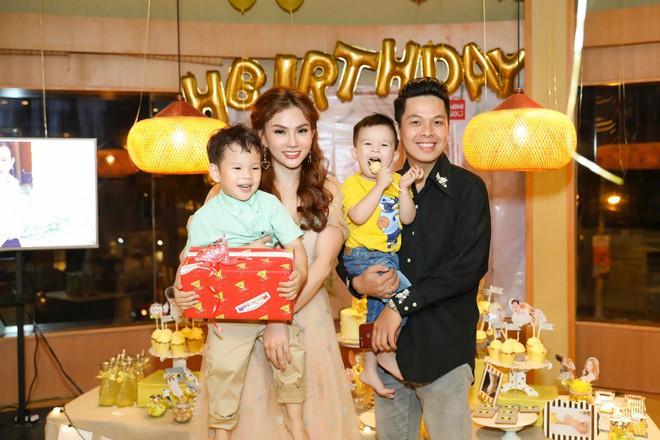 Thu Thủy xúc động hát tặng cho con trai cưng trong ngày sinh nhật lên 3 - Ảnh 16.