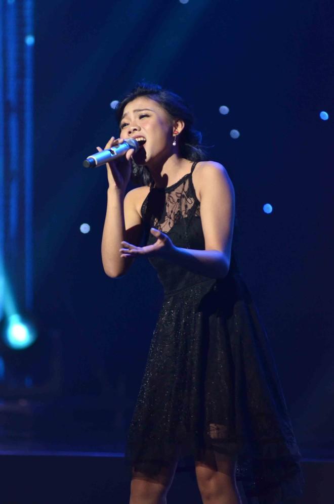 Hoàng Oanh hốt hoảng bảo vệ cô gái 17 tuổi bị thả thính trên truyền hình - Ảnh 7.