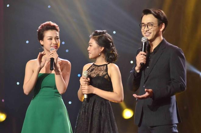 Hoàng Oanh hốt hoảng bảo vệ cô gái 17 tuổi bị thả thính trên truyền hình - Ảnh 5.
