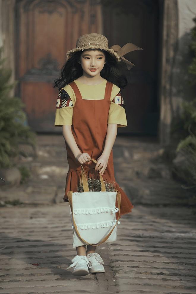Gia định MC Phan Anh rực rỡ sắc hồng trong ngày thứ 2 của Tuần lễ thời trang thiếu nhi 2018 - Ảnh 13.