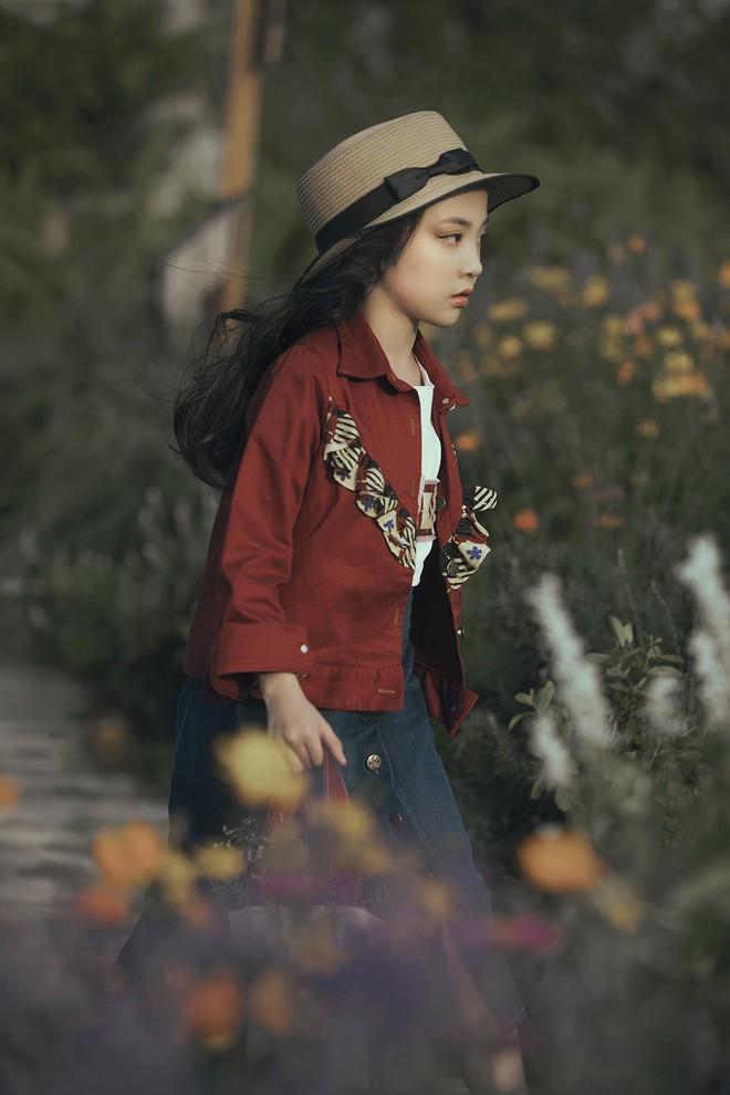 Gia định MC Phan Anh rực rỡ sắc hồng trong ngày thứ 2 của Tuần lễ thời trang thiếu nhi 2018 - Ảnh 15.