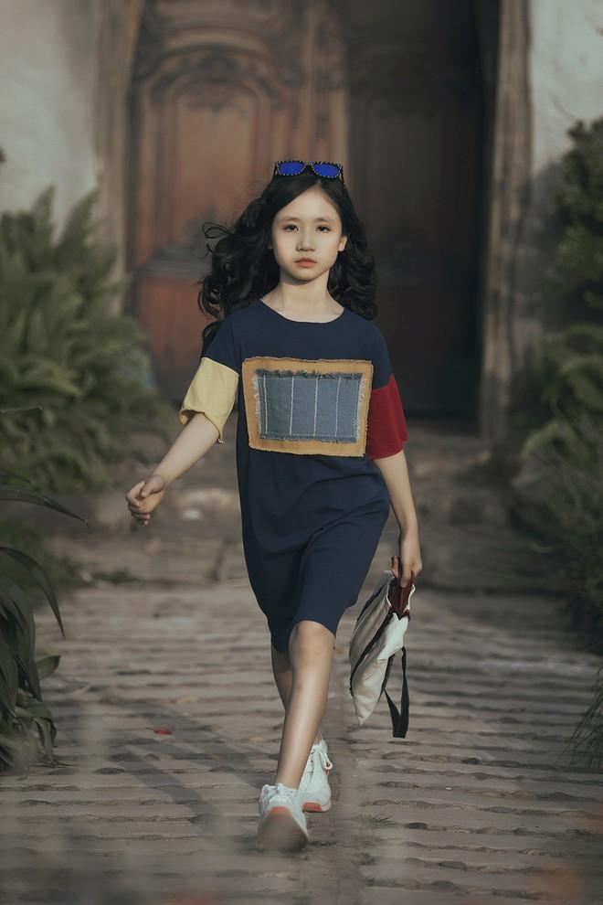 Gia định MC Phan Anh rực rỡ sắc hồng trong ngày thứ 2 của Tuần lễ thời trang thiếu nhi 2018 - Ảnh 17.