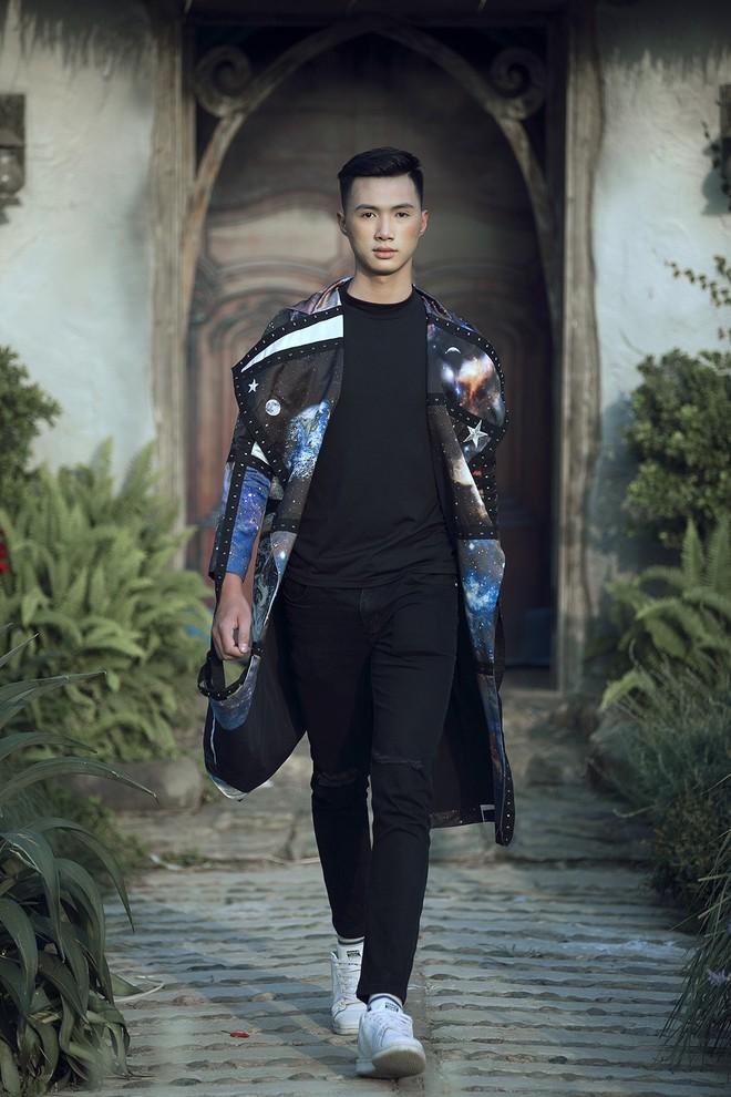 Gia định MC Phan Anh rực rỡ sắc hồng trong ngày thứ 2 của Tuần lễ thời trang thiếu nhi 2018 - Ảnh 22.