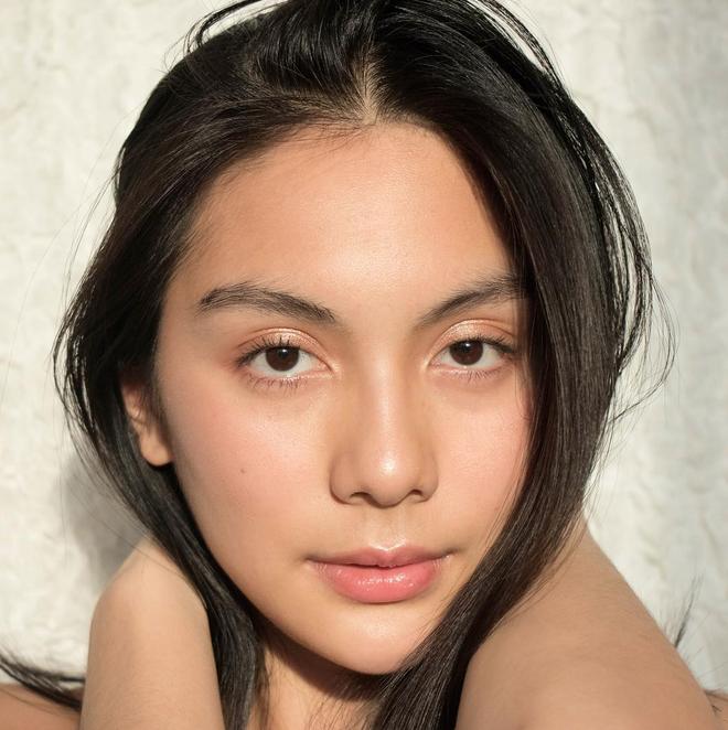 Hội con gái Thái hack tuổi cực đỉnh nhờ sử dụng phấn má, mà không cần đến Botox hay Filler  - Ảnh 5.