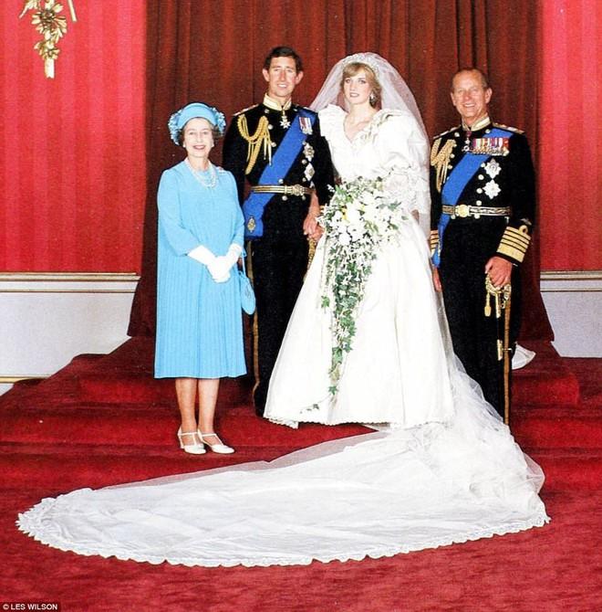 Sắp tổ chức hôn lễ, Meghan Markle chắc chắn phải nhớ 10 nguyên tắc trang phục này trong đám cưới Hoàng gia - Ảnh 16.