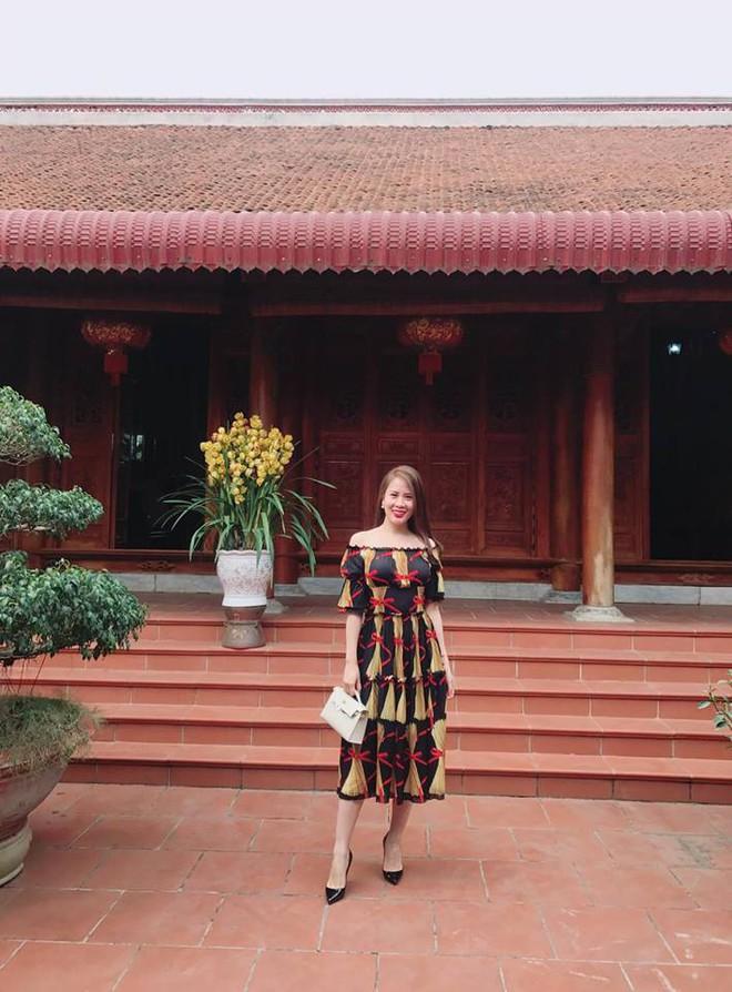 Sau 1 năm kết hôn với bao sóng gió thị phi, vợ thứ 2 của MC Thành Trung ngày càng xinh đẹp, sang chảnh - Ảnh 21.