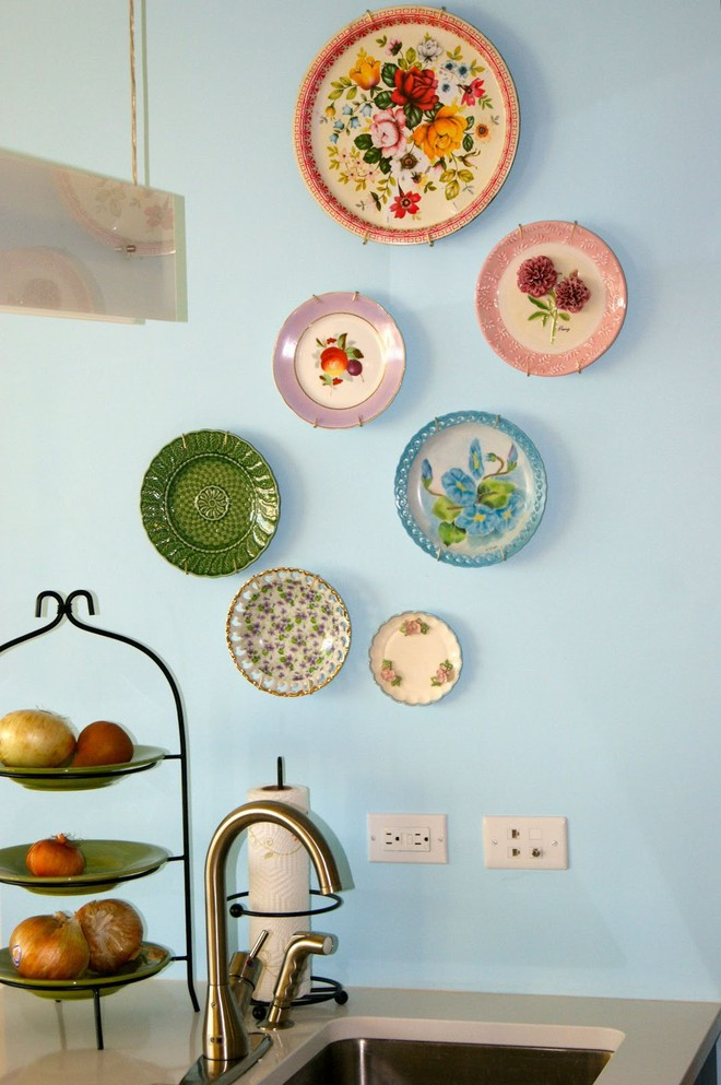 Trang trí tường bằng đĩa vừa rẻ vừa dễ, lại có thể kết hợp được với bất cứ dạng nội thất nào, tại sao bạn không thử? - Ảnh 6.