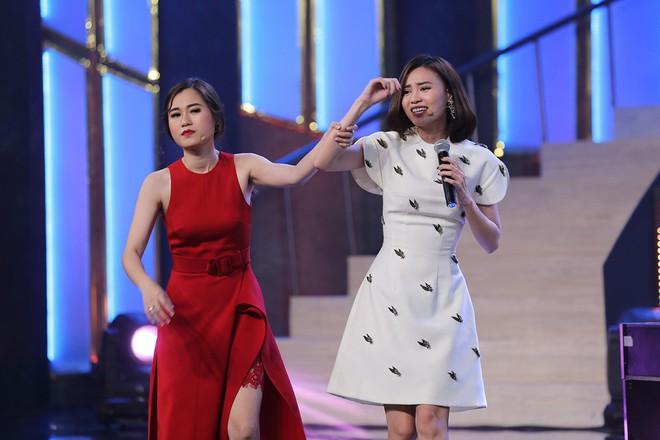 Hoa hậu Kỳ Duyên tập làm chị Nguyệt, thả thính trai đẹp công khai - Ảnh 8.