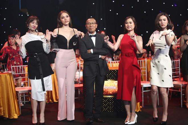 Hoa hậu Kỳ Duyên tập làm chị Nguyệt, thả thính trai đẹp công khai - Ảnh 6.