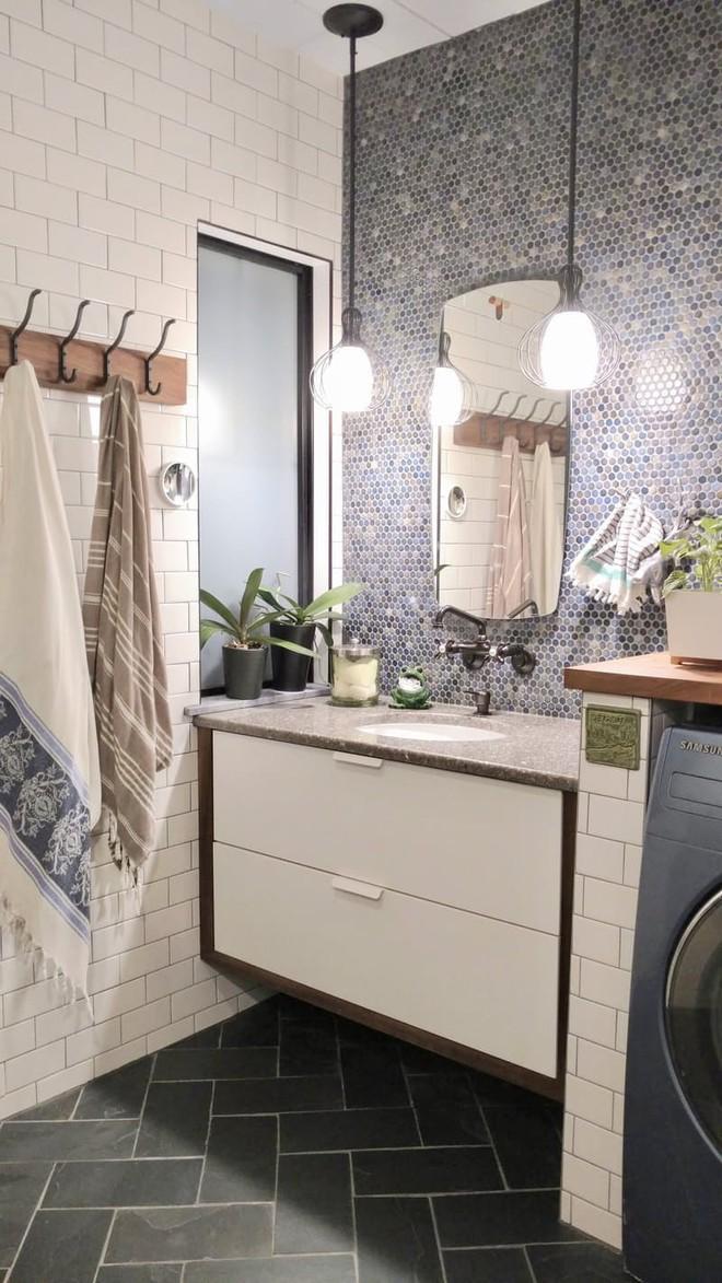 Mua căn nhà bỏ hoang 30 năm, cô gái tự tay cải tạo phòng tắm đẹp đến ngỡ ngàng - Ảnh 4.
