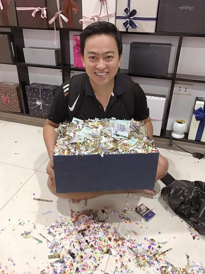 Chồng tặng vợ cả trăm triệu đồng nhân dịp sinh nhật: Tiền không mua được thanh xuân của em sau bao năm vất vả... - Ảnh 4.