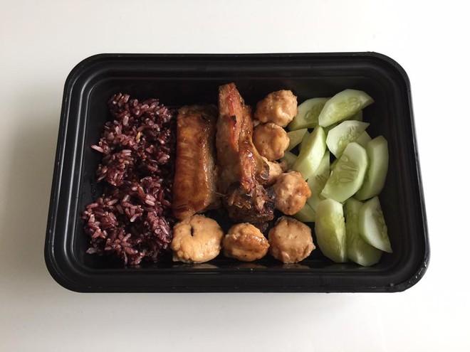 20 thực đơn giảm cân có gạo lứt theo chế độ ăn Eat Clean giúp bạn có được bụng phẳng, tự tin chào hè - Ảnh 2.