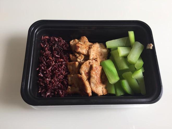20 thực đơn giảm cân có gạo lứt theo chế độ ăn Eat Clean giúp bạn có được bụng phẳng, tự tin chào hè - Ảnh 9.