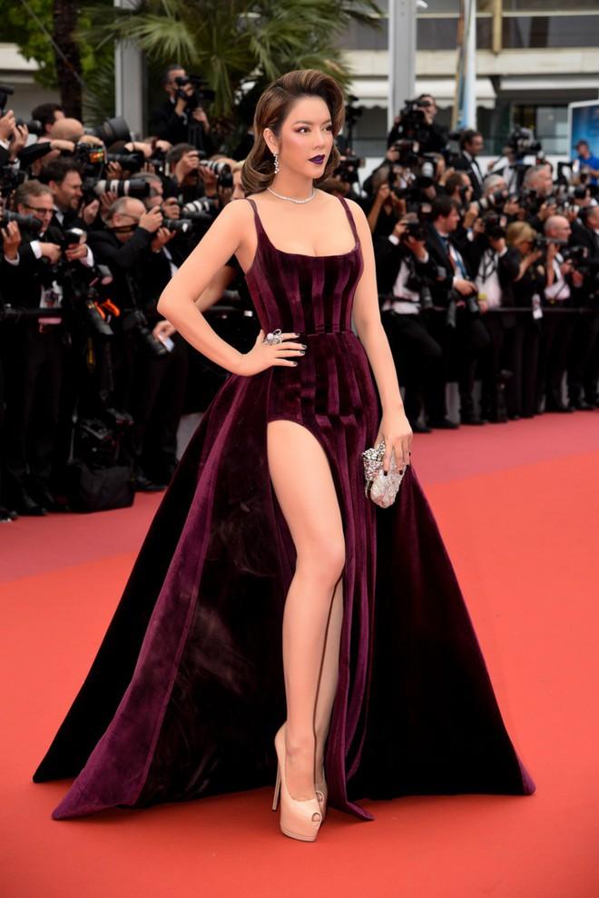 Không còn là quý cô báo đen, Lý Nhã Kỳ sang chảnh hết mức trong bộ váy nhung huyền bí - Ảnh 10.