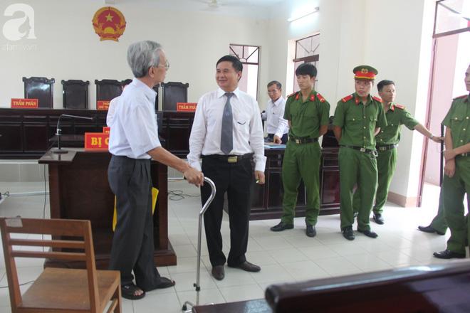 Nguyễn Khắc Thủy cho biết sẽ kiện những người tố cáo vì cho rằng họ có tư thù cá nhân - Ảnh 6.