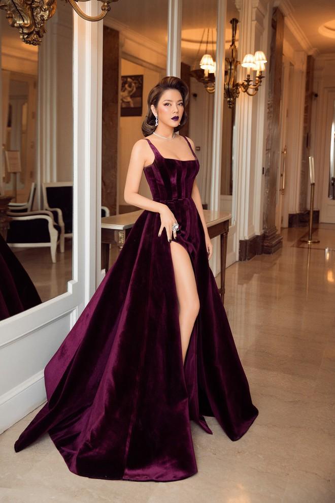 Không còn là quý cô báo đen, Lý Nhã Kỳ sang chảnh hết mức trong bộ váy nhung huyền bí - Ảnh 6.