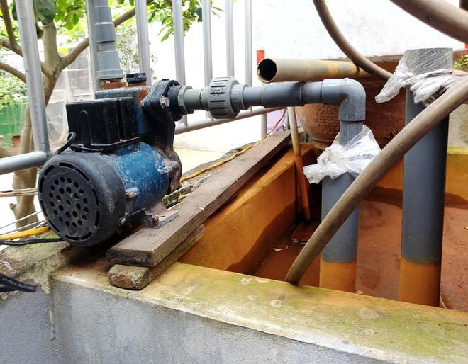 Hà Nội: Hàng nghìn hộ dân hơn 10 năm qua phải ngậm đắng sử dụng nước từ nguồn nước đen, bốc mùi hôi thối - ảnh 4