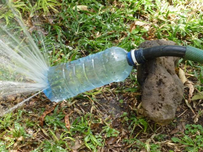 Muôn vàn cách tái chế đồ dùng độc đáo, hay ho từ chai nhựa bỏ đi - Ảnh 21.