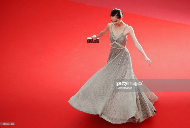 Không phải Phạm Băng Băng, đây mới là mỹ nhân châu Á có những khoảnh khắc thần sầu nhất tại thảm đỏ Cannes - Ảnh 6.