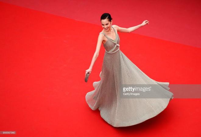Không phải Phạm Băng Băng, đây mới là mỹ nhân châu Á có những khoảnh khắc thần sầu nhất tại thảm đỏ Cannes - Ảnh 8.
