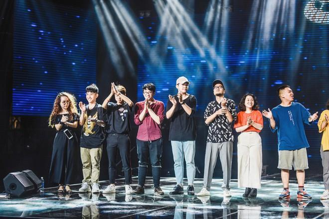 Học trò Lê Minh Sơn cõng chồng lên sân khấu trong đêm Chung kết Sing my song - Ảnh 11.