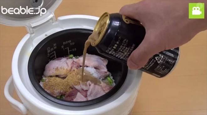 Bố bảo nấu cơm với bia, cả nhà cản không kịp nhưng không ngờ lại ngon đến thế - Ảnh 5.