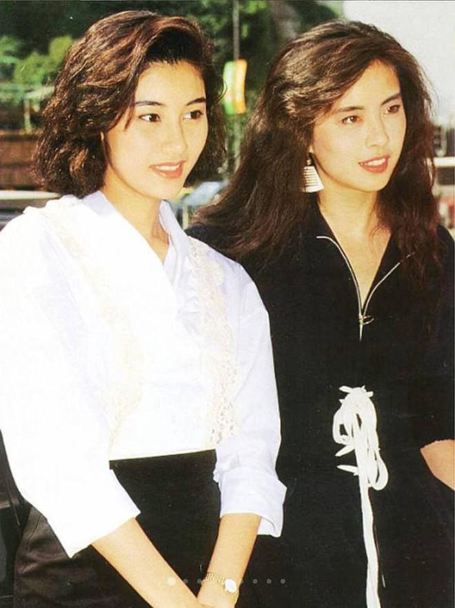Chùm ảnh quý hiếm của dàn sao TVB: Thanh xuân rực rỡ của thế hệ 7X, 8X bỗng chốc thu nhỏ lại chỉ bằng những bức ảnh cũ, đã sờn màu - ảnh 15