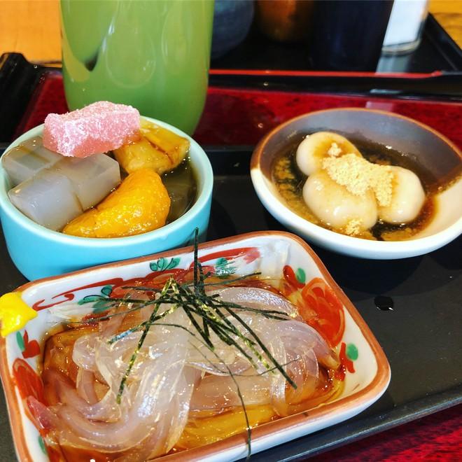 Món mì thạch hơn 1.000 năm tuổi rất được lòng người Nhật Bản khi hè về - Ảnh 2.