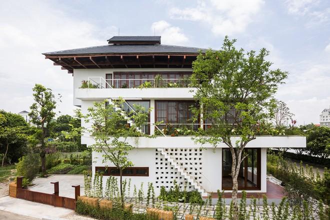 Ngất ngây với vẻ đẹp của ngôi nhà 3 tầng đậm chất kiến trúc Nhật Bản ở Vĩnh Phúc - Ảnh 1.