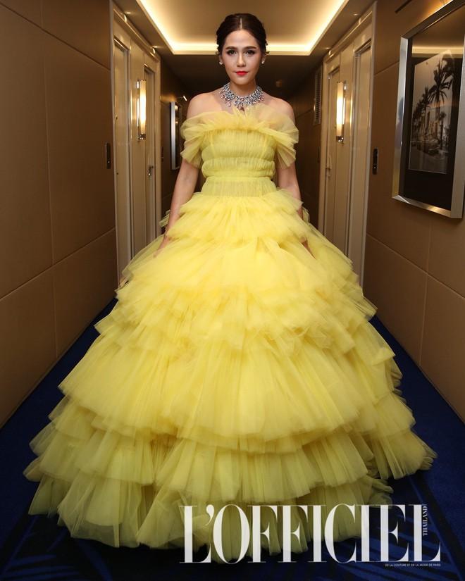 Chẳng phải Phạm Băng Băng hay dàn sao Hollywood, mỹ nhân Thái Chompoo Araya mới là người chiếm sóng thảm đỏ trong 5 ngày ở Cannes - Ảnh 12.