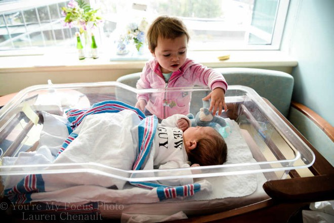 Bức ảnh khoảnh khắc em bé sơ sinh cất tiếng khóc chào đời đẹp  hiếm thấy, sự thật phía sau đó còn khiến các mẹ tâm phục khẩu phục hơn nữa - Ảnh 5.
