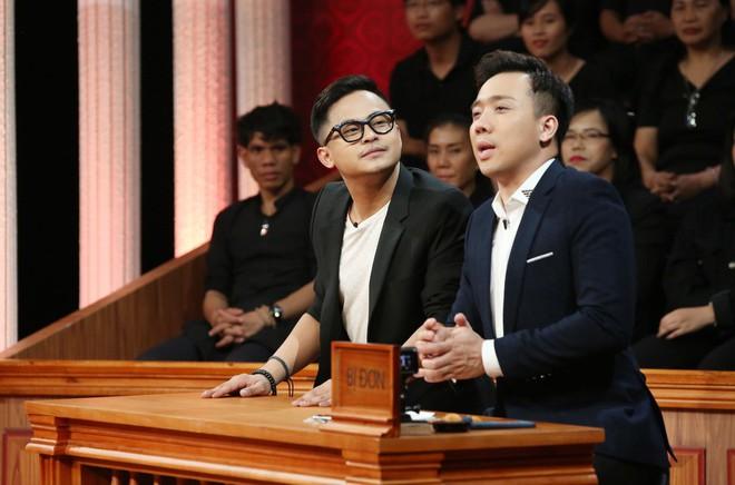 Trấn Thành rơi nước mắt trong phiên tòa của 2 người bạn thân thiết - Ảnh 4.