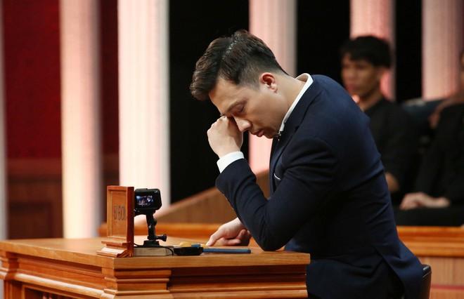 Trấn Thành rơi nước mắt trong phiên tòa của 2 người bạn thân thiết - Ảnh 6.