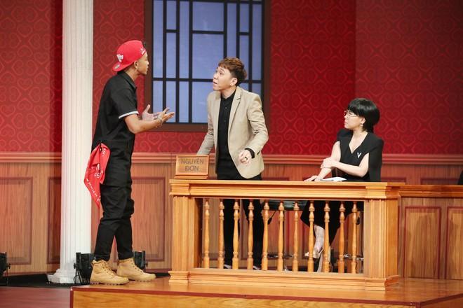 Trấn Thành rơi nước mắt trong phiên tòa của 2 người bạn thân thiết - Ảnh 3.